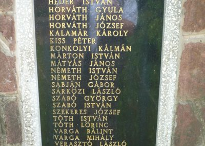 Zalaszentbalázs világháborús emlékmű 2009.05.15.küldő-Sümec (4)