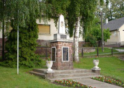 Zalaszentbalázs világháborús emlékmű 2009.05.15.küldő-Sümec