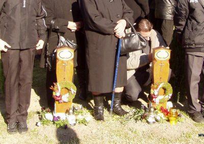 Zalaszentgrót--Zalakoppány 2010.10.30-án minden első világháborús hősi halott kapott egy kis emlékoszlopot a templomhoz vezető út két oldalán. küldő-Szilsomogy (2)
