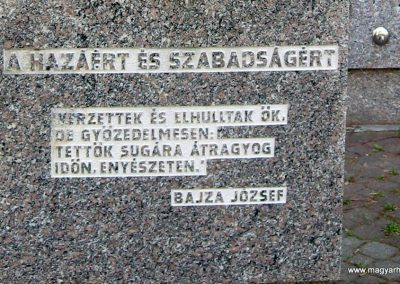 Zalaszentgrót világháborús emlékmű 2006.06.11.küldő-VW golf (2)
