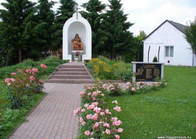 Zalaszentiván világháborús emlékmű 2007.06.01.küldő-HunMi