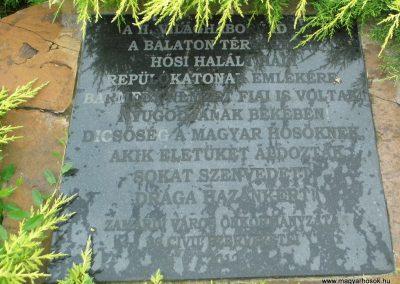 Zamárdi II. világháborús repülős emlékmű 2016.06.06. küldő-Méri (3)