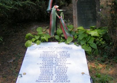 Zebegény világháborús emlékmű 2012.07.29. küldő-Méri (4)