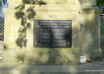 Zengővárkony világháborús emlékmű 2004.08.09. küldő-Bagoly András (3)