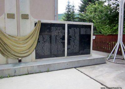 Zetelaka világháborús emlékmű 2014.06.06. küldő-kalyhas (8)