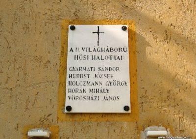 Zirc-Kardosrét II.vh emléktábla 2010.07.21. küldő-kalyhas (3)