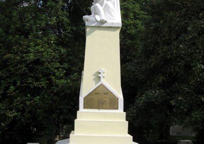 Zirc világháborús emlékmű 2010.07.21. küldő-kalyhas (4)