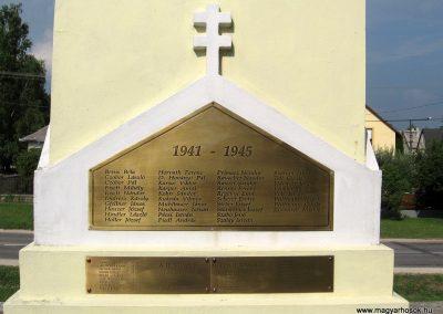 Zirc világháborús emlékmű 2010.07.21. küldő-kalyhas (7)