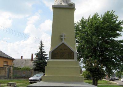 Zirc világháborús emlékmű 2010.07.21. küldő-kalyhas (8)