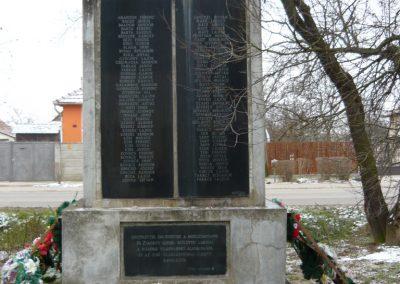 Zsadány világháborús emlékmű 2008.12.30.küldő-Ágca (1)