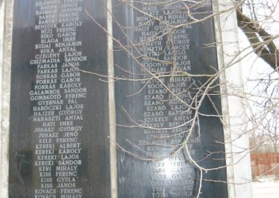 Zsadány világháborús emlékmű 2008.12.30.küldő-Ágca (2)