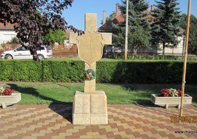 Zsana hősi emlékmű 2011.08.18. küldő-kalyhas (1)