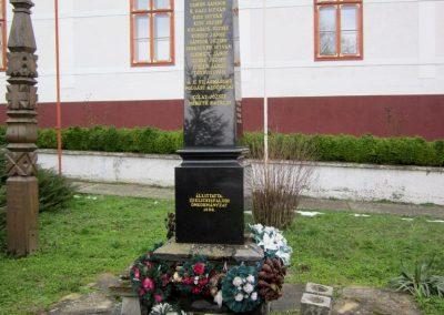 Zselickisfalud világháborús emlékmű 2013.03.31. küldő-kalyhas (1)