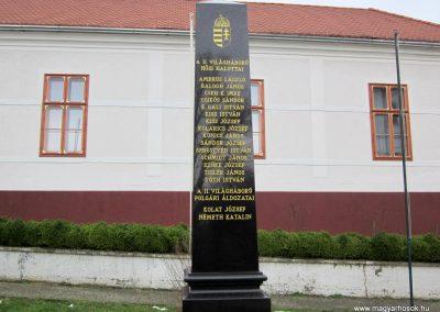 Zselickisfalud világháborús emlékmű 2013.03.31. küldő-kalyhas (2)