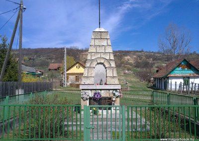 Zubogy világháborús emlékmű 2012.04.07. küldő-Pataki Tamás