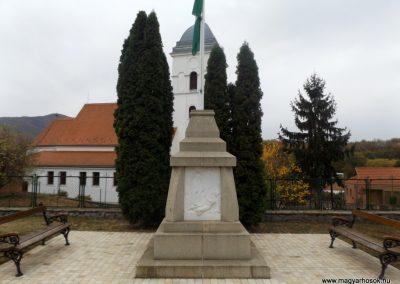 hasznos világháborús emlékmű 2018.10.21. küldő-Bóta Sándor (1)